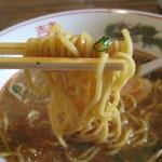 11868642 - 麺は黄色っぽいストレート