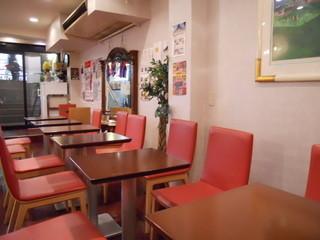 カフェ・ド・キネマ グランキネマ店 - 店内