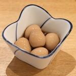 100円串カツとハイボールの店 角てん - うずら煮卵