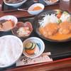 お食事処 茂 - 料理写真:日替わり定食(煮込みハンバーグ)