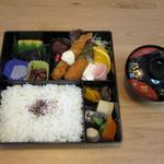 ともしげ - 会議用弁当:1100円