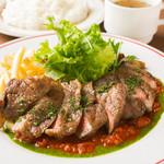 ワイン食堂 旅する子ブタ - ランチ:【最高級イベリコ豚のステーキ】トマトとバジルのソース