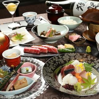 日本各地の地酒や焼酎など、多彩なドリンクをご堪能ください