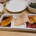 吾照里 - サムギョサプル食べ放題