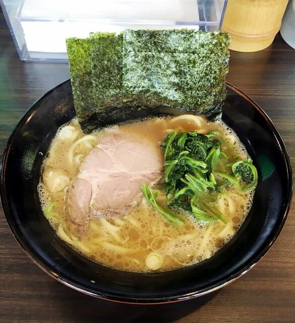 横浜らーめん寿三家 - ラーメン730円麺硬め。海苔増し120円。