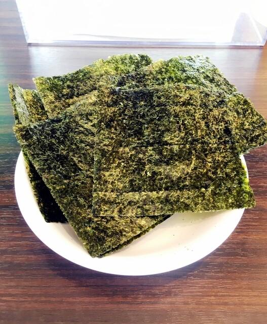 横浜らーめん寿三家 - 海苔増しは7枚120円(別皿)