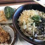 さぬきうどん食堂 つるり - ぼっかけうどん   高菜おにぎり・かしわの天ぷら