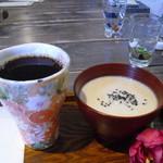 ふくじゅえん - 白いお汁粉とコーヒー 980円