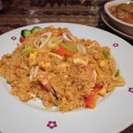 タイ料理サバイ・サバイ - カオパット・トムヤム