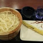 丸亀製麺 - 釜揚げうどんとアスパラ天 計460円 (2019.10.30)