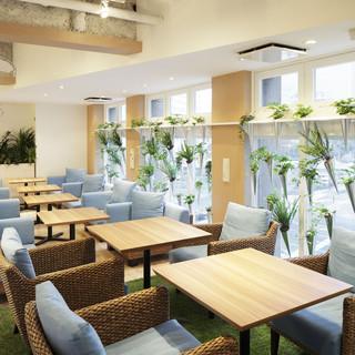 ゆったりカフェ空間の4階