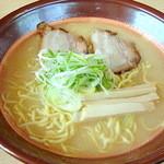 平成軒 - 塩ラーメン大盛(750円)
