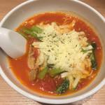太陽のトマト麺withチーズ - 太陽のチーズラーメン(924円)