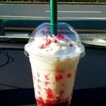 スターバックス・コーヒー - メリーストロベリーケーキフラペチーノ♨