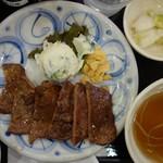 牛たん仙台なとり - 料理写真:たんなか牛タン定食(3切れ、6枚)