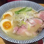 ふく流らーめん 轍  - 料理写真:【(限定) 紅ズワイガニ白湯らーめん】¥1100