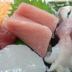 和食処 こやま - マグロは赤身とトロ・ホタテ