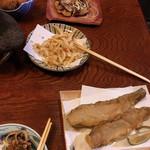 118836436 - 上から…ライスコロッケ、ととまる、白えび天ぷら、魚の唐揚げ