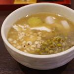 浅草豆花大王 - 豆花(小)、ピーナッツシロップスープ、はとむぎ、緑豆、2色だんご