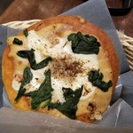 gingadouichihachikyuuzerosui-tsuandobe-kari- - 気まぐれピザ 西根産ほうれん草とかにのグラタンピザ