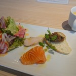 YAKINIKU BISTRO 石鎚 - 前菜&サラダ