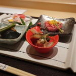 焼肉 強小亭 - 大山黒牛炙りユッケ、本マグロきんきお造り、鰻の山椒煮、季節野菜冷やし鉢