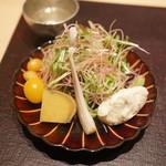 焼肉 強小亭 - 季節の生野菜、数の子燻製ムース