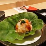 焼肉 強小亭 - ほっき貝と炙り帆立ポン酢ジュレ