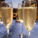 銀座イタリアン Fabi's  - スパークリングワイン