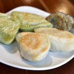 PAIRON - 四大焼餃子定食@850円:セロリ餃子を忘れられ、5個での登場(本来は6個)