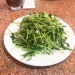 桂園餃子房 - 豆苗炒め