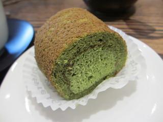 寿月堂 - 抹茶ロールケーキ 315円