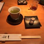 手打蕎麦 一澤 - 料理写真:お通しの蕎麦寿司