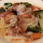 欧風食堂 カンパーニャ - 蒸し鶏と野菜畑のトマトクリームソース1,000円