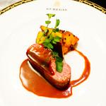 セント レジス ホテル - 仔牛のロースト 薩摩芋の黒胡麻 赤ワインソース