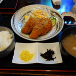 北陸 集らく - メンチカツ定食800円