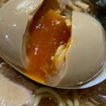 中華そば 橙屋 - 煮卵ぱっくり