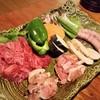炭火焼 いとしま - 料理写真:糸島鶏と牛カルビのセット。(写真は2人前)
