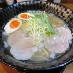 中村商店 - 料理写真:【金の塩 味玉入り】¥920
