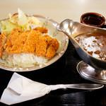 日本海食堂 - ボリュームたっぷりのカツカレー。