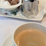 レ・スリジェ - コーヒー。<2012_03>