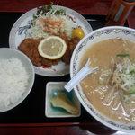 銀龍 - 料理写真:とんかつセット 1100円 + みそに変更 100円