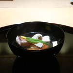 118902792 - 甘鯛、丹波の松茸の椀物