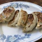 中国飯店一番 - 料理写真:餃子