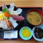 四季の海鮮 魚々味 - 海鮮丼