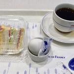 ヴィ・ド・フランス - 料理写真:モーニングCセット ※コーヒーを振動で少し溢しました(^^;)
