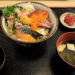 個室居酒屋 酒蔵季 - 海鮮丼全景