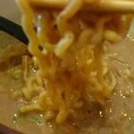 麺屋 潤焚 - 濃厚スープが絡みます