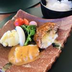 サロンドカフェアンジュ  - メイン  魚と肉、シェアしました!