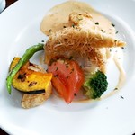 Aix cafe - お魚定食(鰆のカダイフ包み海老クリームソース添え)